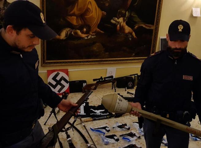 «Colpire la moschea col tritolo»: il piano degli estremisti