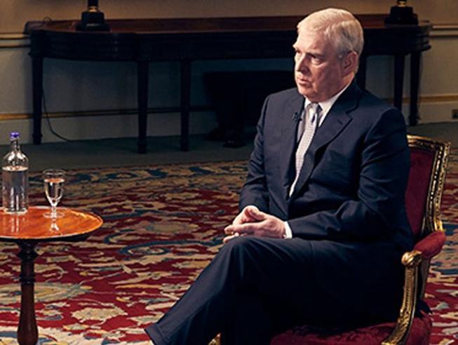 Caso Epstein, il principe Andrea: «Un errore stare con lui,   mi prendo a calci ogni giorno» Il video