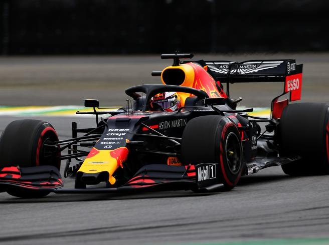F1, qualifiche Gp Brasile: Verstappen in pole davanti a Vettel