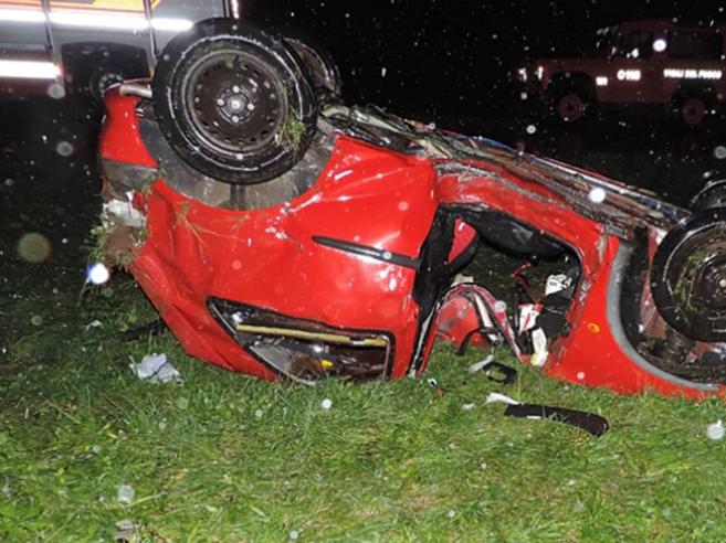 Incidente Udine, 16enne prende l'auto della madre, esce di strada e muore
