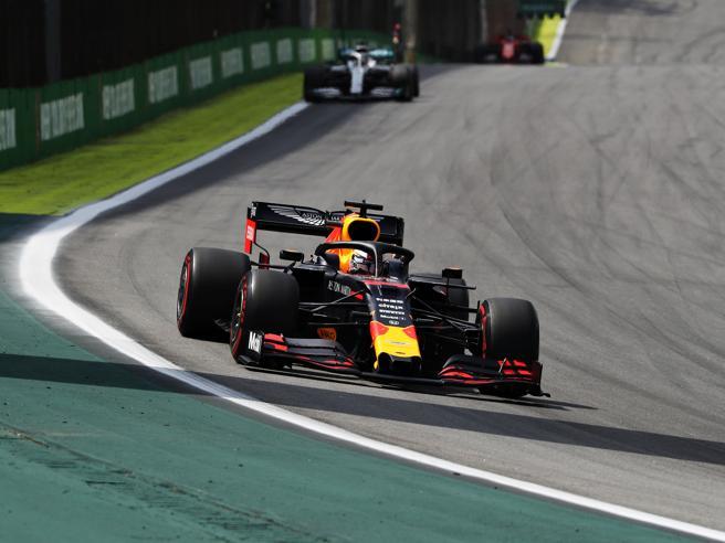 Gp del Brasile: Verstappen vince due volte, crash tra le due
