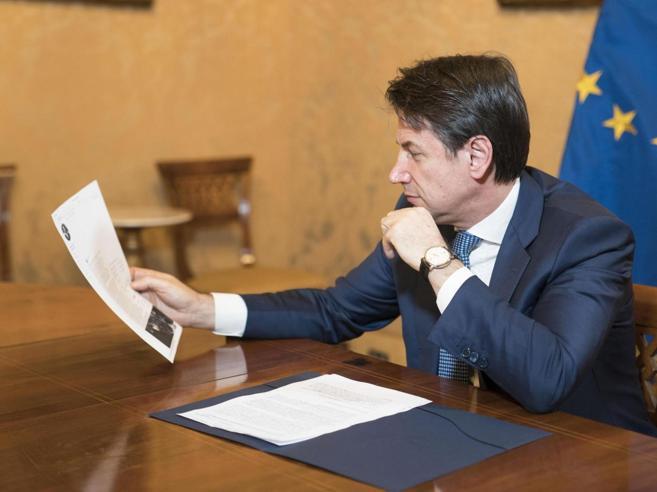 Appello di Conte: meno   tasse  sulle autoManovra, parte la