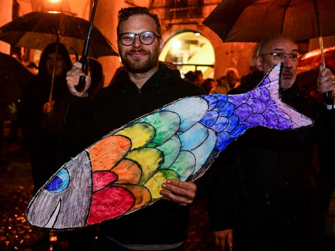 Le «sardine» pronte a scendere in piazza anche a Firenze, Milano e in ...