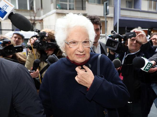 Liliana Segre, il sindaco di Biella si scusa: «Sono stato cr