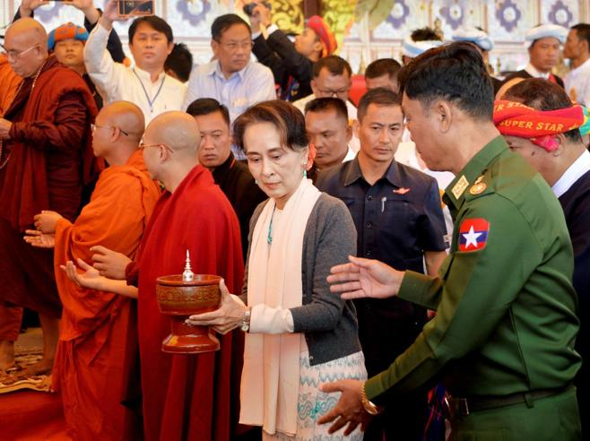 La Birmania accusata di «genocidio»Suu Kyi guiderà la difesa all'Aja