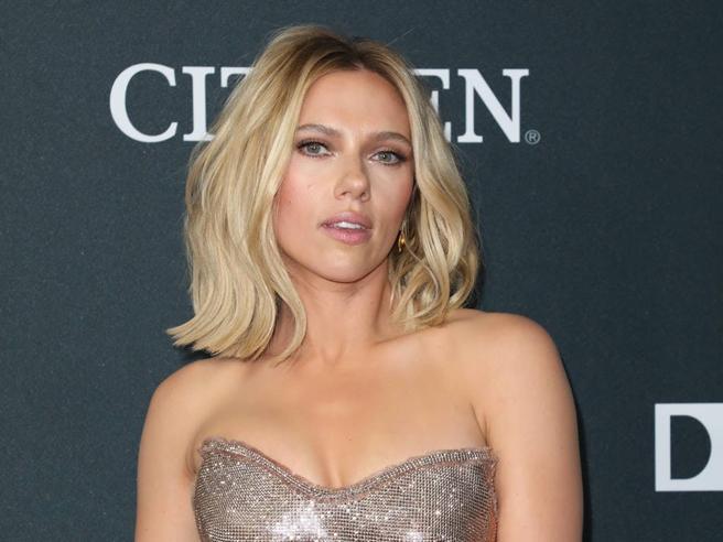 Scarlett Johansson compie 35 anni: i successi e tutte le curiosità sulla diva di Hollywood