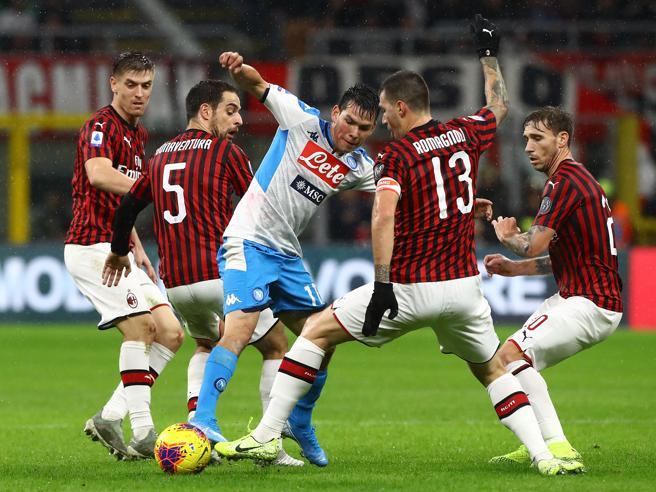 Milan-Napoli finisce 1-1,  la crisi continua. Piatek esce  fra i fischi | La classifica