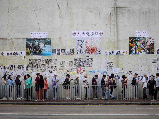 Elezioni a Hong Kong, i risultati: trionfo per i democratici anti-Cina. E ora?