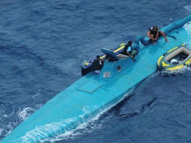 Spagna, intercettato un narco-sub:  a bordo 3 tonnellate di cocaina