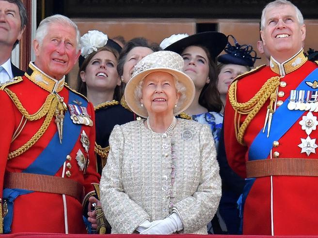 Carlo, William e Andrea, perché la Corona viene prima della famiglia