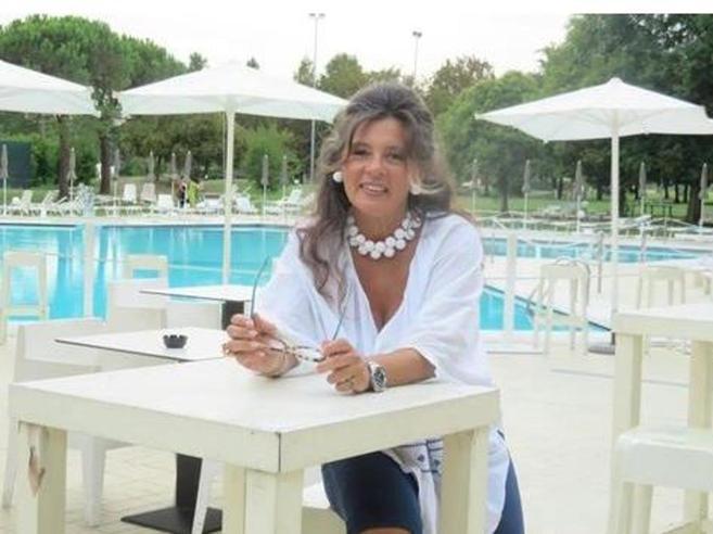 Albergatrice italiana picchiata e uccisa  a Capo Verde: fermato istruttore di kick boxing | Chi era: foto