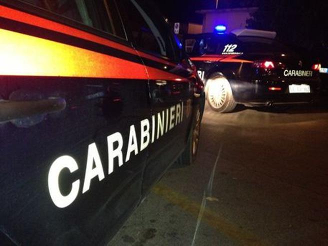 Napoli, ucciso a colpi di pistola un 30enne vicino a casa della madre