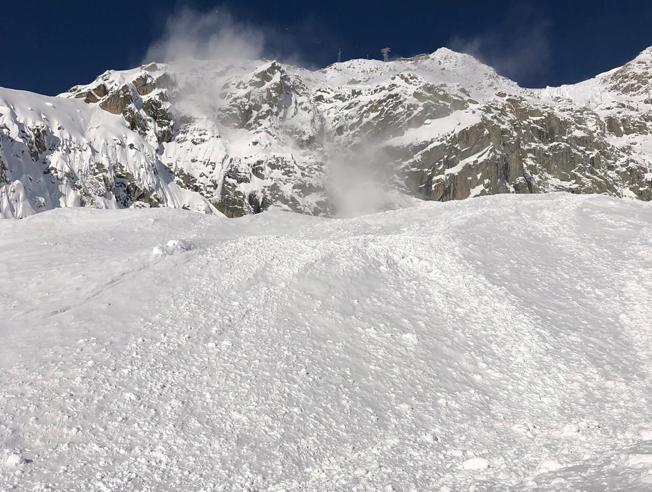 Courmayeur, valanga sul Monte Bianco: morti due sciatori