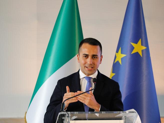 Di Maio minaccia la crisi di governo: l'esecutivo cadrà senza rinvio sul fondo salva Stati