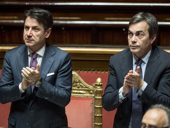 Di Maio: «Sul Mes non ci sono i numeri, decida il Parlamento». Scontro con Gualtieri