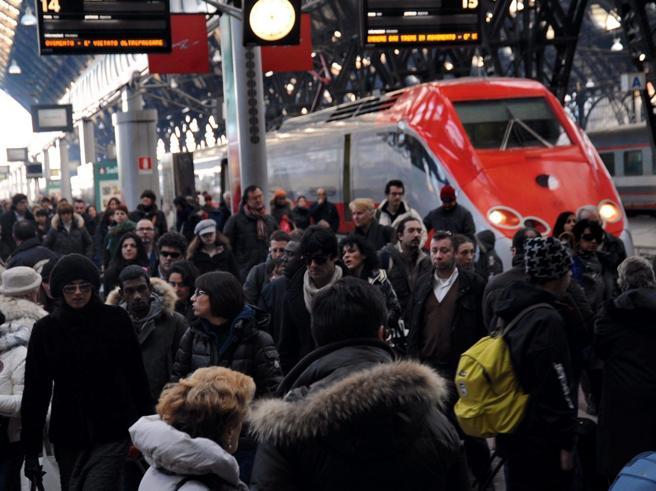Natale al Sud: «Ma in aereo o in treno il viaggio è comunque un salasso»