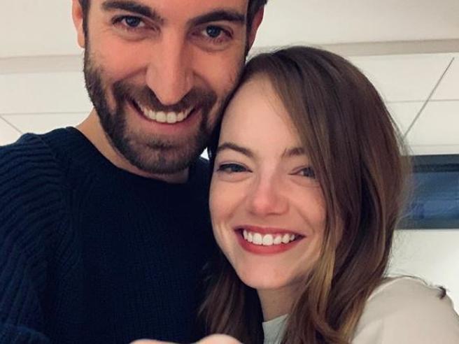 Emma Stone si è fidanzata: l'anello in mostra su Instagram