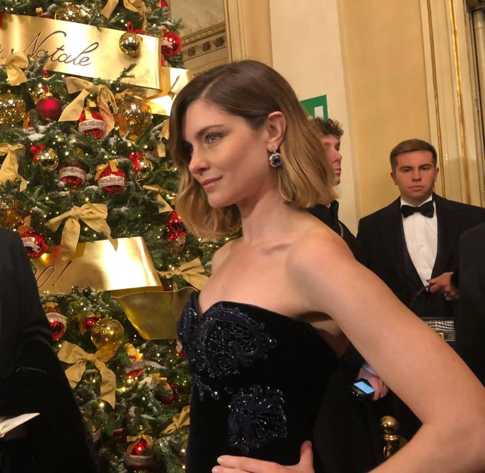 Vestiti Eleganti Vip.Prima Della Scala Vip E Look Alla Tosca Da Vittoria Puccini A