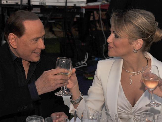 Francesca Pascale: «Io sto con le Sardine». Imbarazzo in Forza Italia