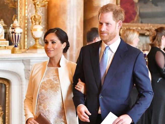 Meghan e Harry, primo Natale senza la Regina: ecco le tradizioni che infrangeranno