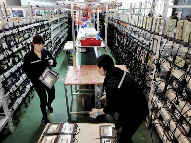 Xi Jinping bandisce i pc  prodotti fuori dalla Cina Il cambio entro il 2022