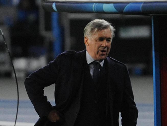 Napoli, Ancelotti esonerato il giorno della qualificazione agli ottavi di Champions