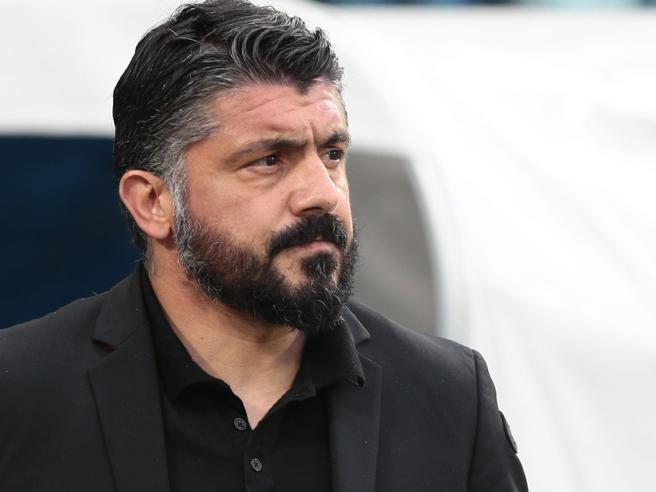 Gattuso già a Napoli, oggi il primo allenamento. Il retroscena del contratto con clausola Champions