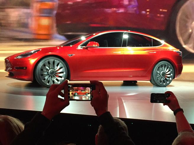 Una Tesla Model 3 inquina più di un'auto diesel'