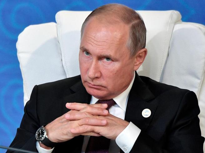 «Spia russa da Napoli agli Usa». Replica di Mosca: datelo a noi