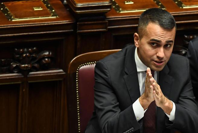 Di Maio: «Libia, attacchi gratuiti al premier. La Ue parli con una voce sola»