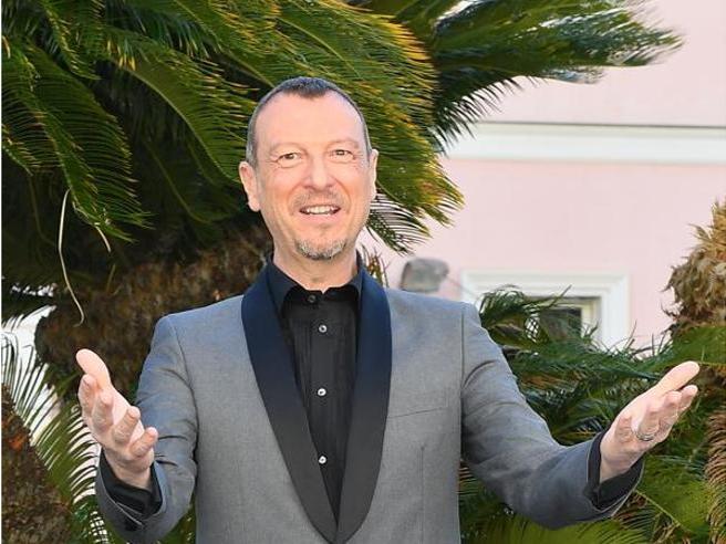 Sanremo 2020, Amadeus e le 10 conduttrici: «No a Michelle Obama, troppo costosa. Sì alle fidanzate di Cr7 e Vale Rossi»