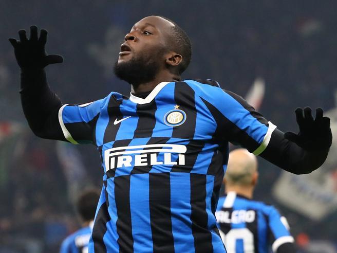 Coppa Italia, Inter-Cagliari 4-1: il Lukaku show trascina i nerazzurri ai quarti