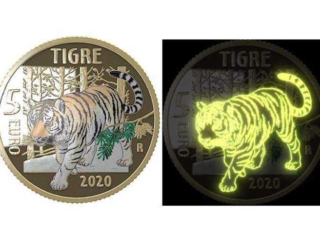 Monete euro da collezione: la Zecca di Stato conia la prima fosforescente. Ecco come ottenerla
