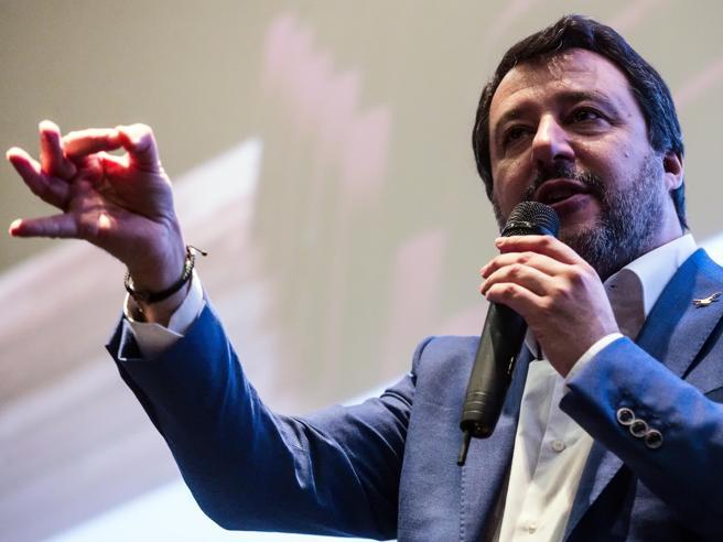 Salvini e caso Gregoretti, passa la linea Lega: la giunta pe