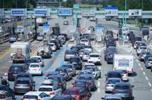 Autostrade, Buffagni: «Benetton inaffidabili». Il nodo delle tariffe
