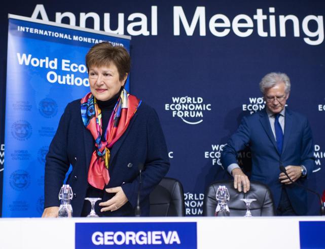 Fmi: «Crescita modesta, debito alto e produttività bassa. Ecco i mali dell'Italia»