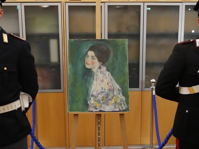 La confessione di due 66enni: «Abbiamo rubato noi quel Klimt al museo»