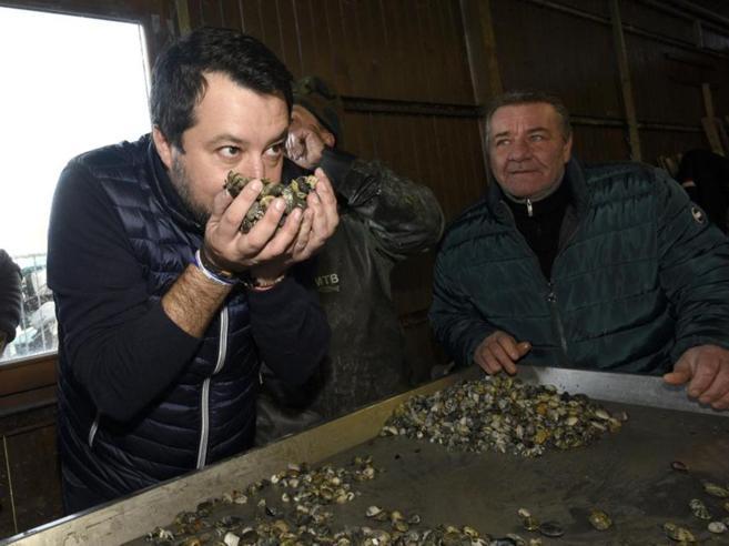 Nave Gregoretti, processo a Salvini con il sì leghista (ma la partita è ancora lunga)Quei doppi giochi pensando alle urne