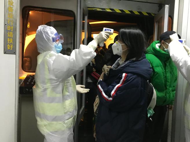 Virus Cina: salite a 17 le vittime, allarme per le possibili mutazioni