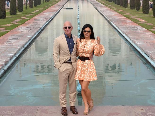 «Accetta e clicca qui»  (e la foto di una donna): così Bin Salman hackerò Bezos