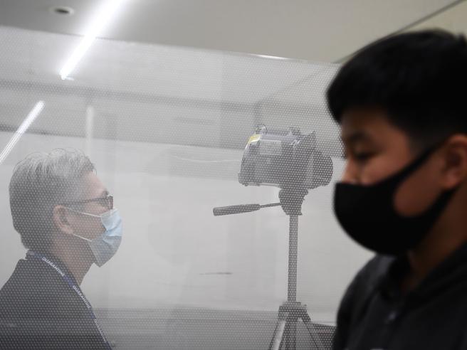 Cina, isolate due città per il virus: bloccati 18 milioni di abitanti. Pechino annulla le feste di Capodanno
