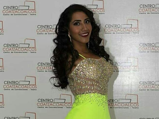 La modella senza braccia di 24 anni e psicologa sogna di diventare Miss Messico