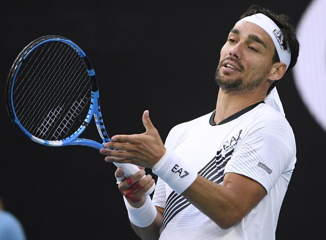 Australian Open, Fognini sconfitto da Sandgren dopo la lite con l'arbitro e la punizione<a href=