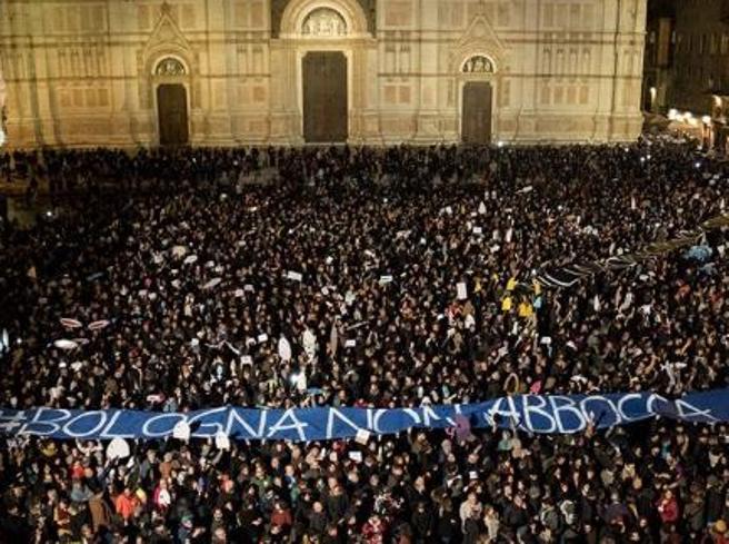 Sardine, messaggio dopo le elezioni: «Ci avete derisi e suonato un campanello di troppo. Alla fine avete perso»