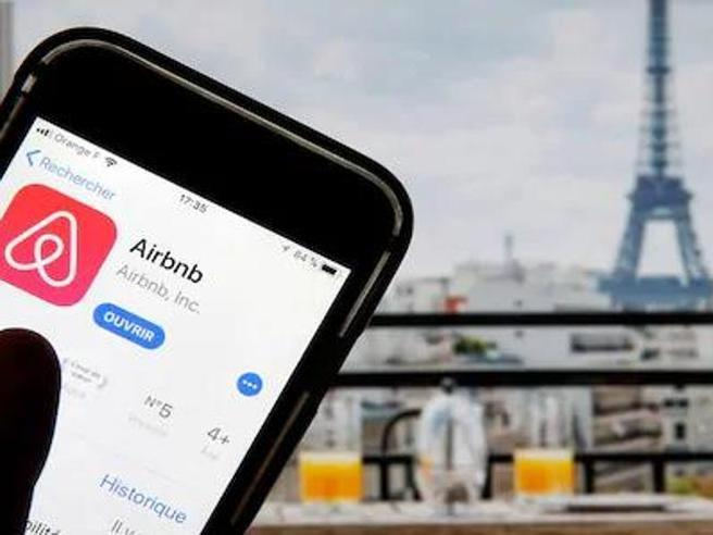 Nel Milleproroghe la norma anti Airbnb: obbligo di licenza e tetto alla durata