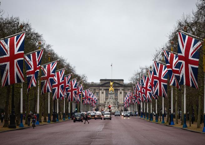 Brexit, fine di un matrimonio infelice A mezzanotte a Londra inizia la sfida
