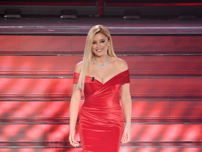 Alketa Vejsiu, chi è la conduttrice albanese che ha conquistato Sanremo