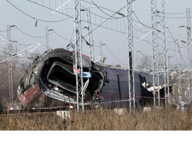 Treno deragliato: operai indagati, cinque destinati ad altro incarico