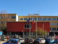 Monza, il dramma del liceo Frisi: due studenti suicidi. «Ora riflettere»