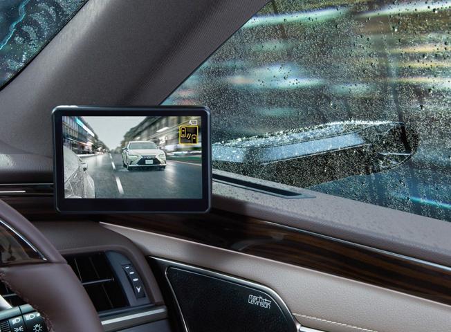 Sicurezza: addio specchietti, sulle Lexus al loro posto ecco le telecamere